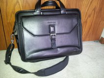 Kenneth Cole Black Leather Computer Bag in Elgin, Illinois