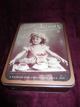 Antique Metal Cookie Tin in Cherry Point, North Carolina