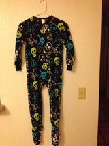 Brand new w/tags boy's Cherokee skull pattern one piece pajamas w/feet in 29 Palms, California