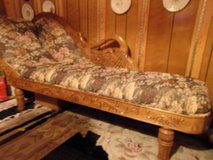 SWAN FAINTING COUCH. ANTIQUE REPLICA in Fort Hood, Texas