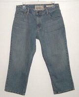 Levis Strauss Signature Mid Rise Denim Jean Capri Pants In Woman's Size 10 in Chicago, Illinois