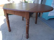 Solid OAK Drop Leaf Table in Joliet, Illinois