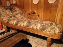 SWAN FAINTING COUCH/CHAISE LOUNGE. ANTIQUE REPLICA in Fort Hood, Texas