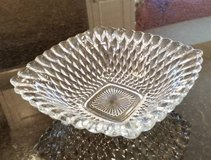 Bowl - Clear Glass - Pretty serving piece in Joliet, Illinois
