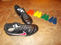 Nike soccer cleats 2.5Y. . .INTERCHANGEABLE COLORS in Pasadena, Texas