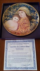 Hibel - Edna Hibel Holiday Plate - 1994 And Unto Us A Child Is Given in Orland Park, Illinois