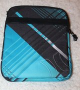 HURLEY Padded iPad/iPad2 Case, Turquoise & Black, Zip Closure, EUC in Oswego, Illinois