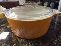 vintage  pyrex cinderella large mixing bowl with lid butterfly gold #475-b 2.5l in 29 Palms, California