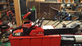 Snapper Chainsaw w/Battery & charger 60 volt in Hopkinsville, Kentucky