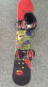 Snowboard 125 cm Tagger Vision with Boots sz 6 in Lockport, Illinois