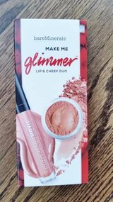 Bare Minerals - Make me Glimmer Lip and Cheek Duo - New in the Box in Glendale Heights, Illinois