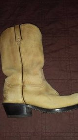reduced Men's size 9 Durango cowboy boots in Fort Lewis, Washington