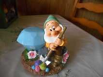 DISNEY GARDEN GNOME (BASHFUL) SOLAR POWERED figurine statue! in Spring, Texas