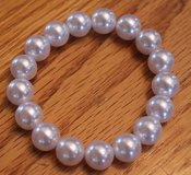 Faux Pearl Bracelet, Stretchable, 2.5 Inch Diameter, EUC in Oswego, Illinois