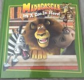 Madagascar Its A Zoo In Here! Children's Hardcover Book Ages 3-5 in Morris, Illinois