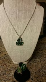 Frog design jewelry in Camp Pendleton, California