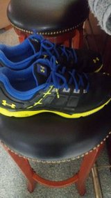 Mens 10 under armour shoes in Fort Lewis, Washington