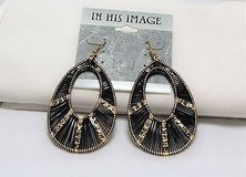 NWT In his image Black gold teardrop boho style silver tone drop dangle hook in Houston, Texas