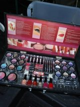 Cosmetics! makeup kit! In Fairfield 6/16 if you want me to bring this in Fairfield, California