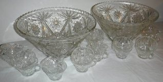 Vintage Cut Glass Punch Bowl w/ 10 cup Set in Orland Park, Illinois