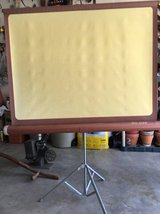 VINTAGE-DA-LITE-COMET-MOVIE-PROJECTOR-SCREEN-AND-TRIPOD in Chicago, Illinois