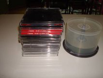 "Qty ""14"" jewel cases & ""17"" cd's cd-r that r brand new!! cheap!! in Brookfield, Wisconsin"