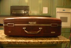AMERICAN TOURISTER HARD SHELL LARGE SUITCASE - JUST REDUCED! in Byron, Georgia