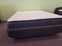 "BRAND NEW! SOFT 9"" QUEEN Pillowtop Mattress *LOW PRICE* FREE DELIVERY! in Bolingbrook, Illinois"