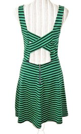 American Eagle Green Blue Stripe Kris-Cross Cutout Skater Dress Medium 8 10 in Morris, Illinois