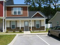 Pet Friendly. End Unit! Washer & Dryer Included for Tenant Use. in Camp Lejeune, North Carolina