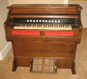 ANTIQUE LATE 1800's STORY & CLARK PUMP ORGAN - Chicago in Lockport, Illinois