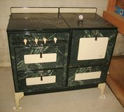 BEAUTIFUL ANTIQUE OXFORD UNIVERSAL PORCELAIN GAS STOVE / OVEN in Chicago, Illinois