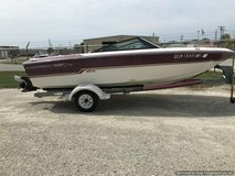 17' CHAPARRAL OPEN BOW RUNABOUT in Naperville, Illinois