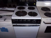 Magic Chef Apartment Size Electric Stove in Fort Riley, Kansas