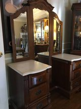 ~STANLEY FURNITURE VANITY WITH MIRROR~MARBLE TOP >>>Very Nice !!! in Naperville, Illinois