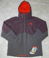 North Face Apex Elevation Jacket Medium NWT in Algonquin, Illinois