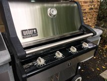 ** Weber SUMMIT GOLD Propane Gas Grill w 2/Tanks : Great Condition in Naperville, Illinois