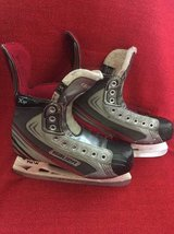 Hockey Skates Bauer Vapor X4.0 size 5.5 D in Bolingbrook, Illinois