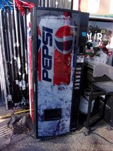 Six Bay Pepsi Machine With Key in Fort Riley, Kansas