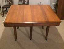 BEAUTIFUL ANTIQUE WOOD TABLE with 6 LEAVES - Late 1800's in Aurora, Illinois