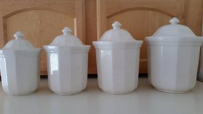 VINTAGE PFALTZGRAFF HERITAGE WHITE CANISTER SET (Like New!) in Tampa, Florida