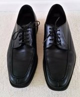HIGH QUALITY MEN'S LEATHER SHOES 9.5 WIDE IN EXCELLENT CONDITION in Tampa, Florida