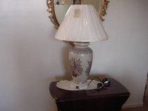 Vintage Floral Table Lamp $125 OBO in Fort Knox, Kentucky