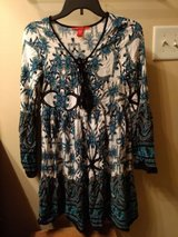 chelsea and violet boho bell sleeve dress size x excellent condition in Byron, Georgia