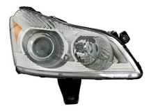 Chevrolet Traverse Passenger Side Composite Headlamp NEW in Bolingbrook, Illinois
