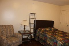 all utilities paid 1 bed & 2 bed with washer, dryer full kitchen in Fort Campbell, Kentucky