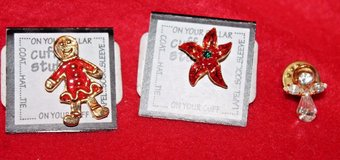 Set of 3 Small Holiday Pins - Female Gingerbread, Poinsettia, Angel - nwt in Naperville, Illinois
