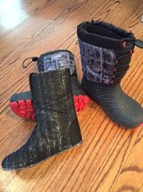 Merrell snow boots - youth size 2 in Orland Park, Illinois