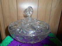 Large Beautiful Cut Glass Crystal Lidded Bowl! Starbursts and Flower Design deeply cut in glass!... in Spring, Texas