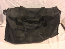 unisex travelers club black carry handles 24 x 12 x 12 nylon duffel bag  02292 in Fort Carson, Colorado